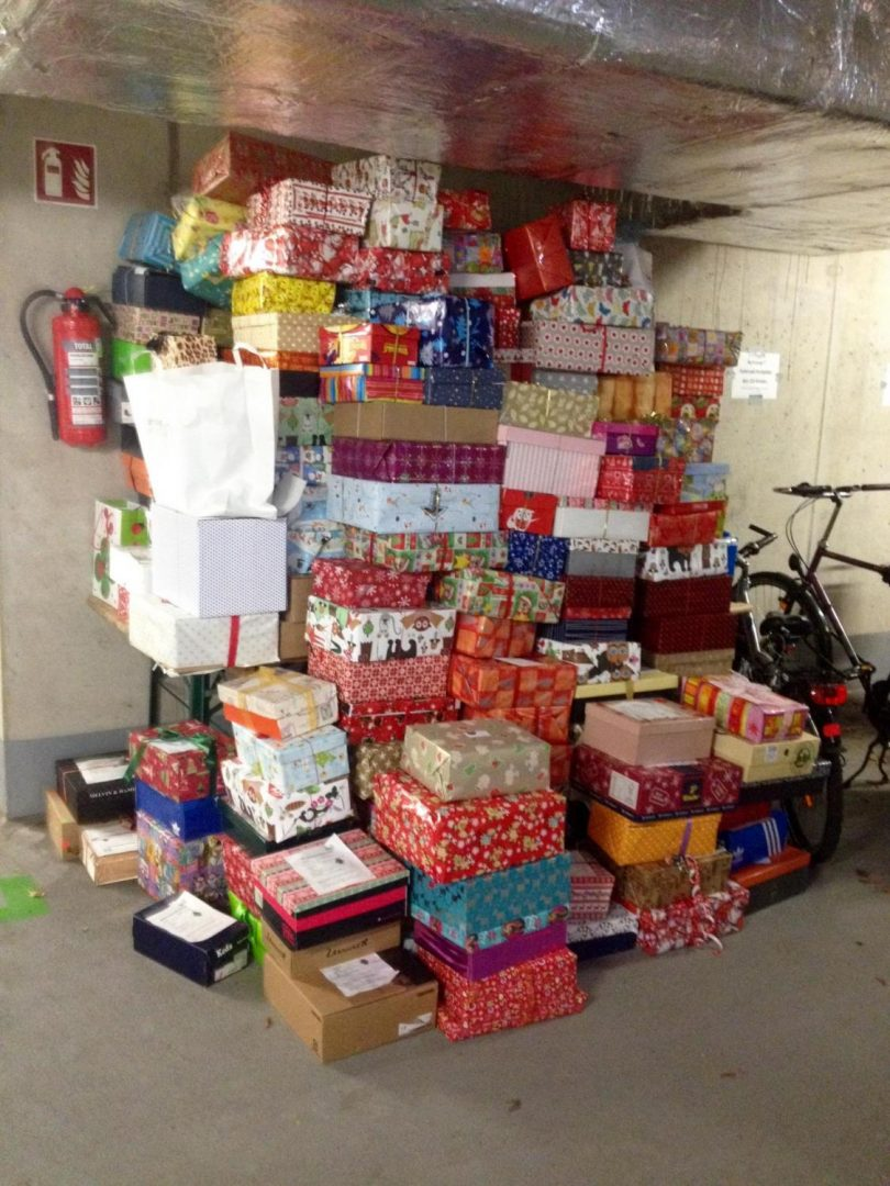 Adventsfeier im Flüchtlingsheim