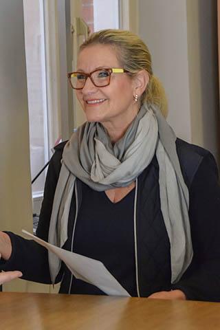 Frau Hüttmann