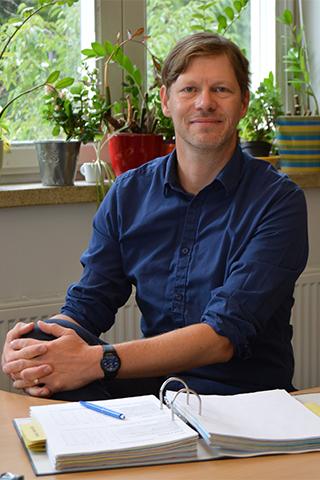 Dr. Marc James Müller