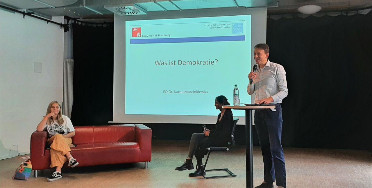 Was ist Demokratie - Podiumsveranstaltung